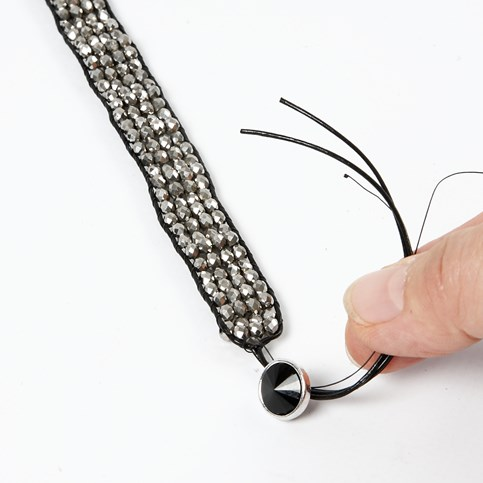 how to make a bracelet with leather cord and beads